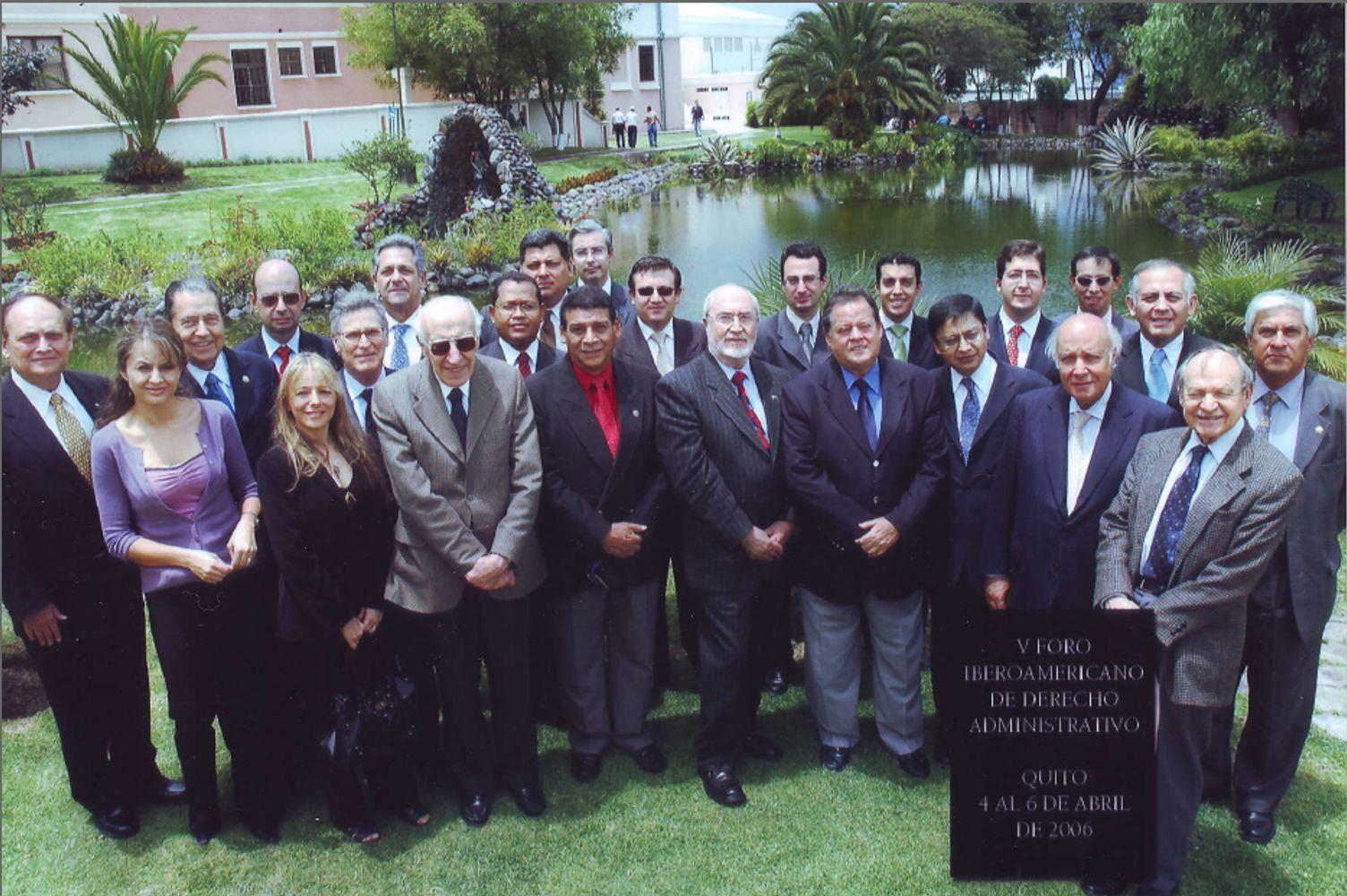 Foto de grupo: 6 de Abril de 2006 en Quito (Ecuador)